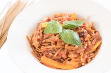 Sun-Dried Tomato & Pepper One Pot Pasta
