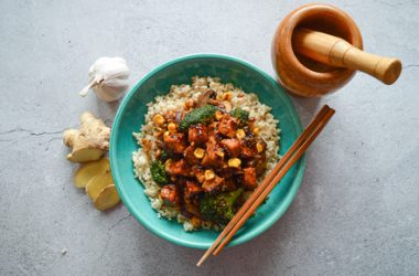 Sweet & Spicy Cashew and Tofu Stir-Fry with Brown Rice